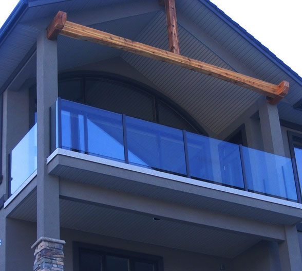 Aluminum Railings & Metal Railings | Vista Railing Systems